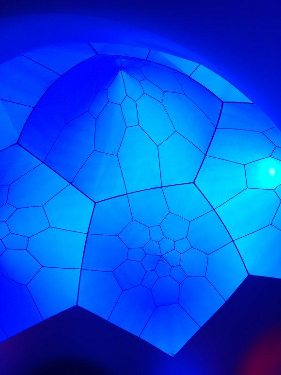 青のドーム