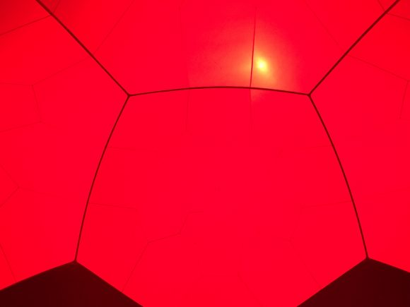赤のドーム